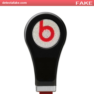 Beats by Dr. Dre: Earbuds - Step 1, picture 2