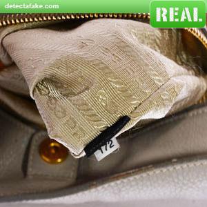 44a8ec0a3ea2 How to spot fake: Prada Purses - 10 Steps (With Photos)